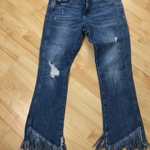 Jeans distressed with fringe hem ankle cropped